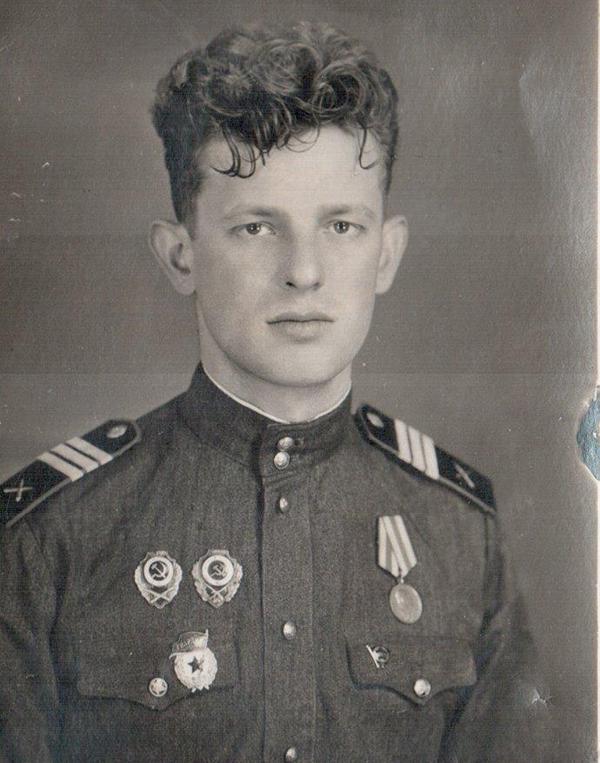 В'язень Освенціма, який підірвав Інтернет: Георгіївські стрічки зараз надягають бандити