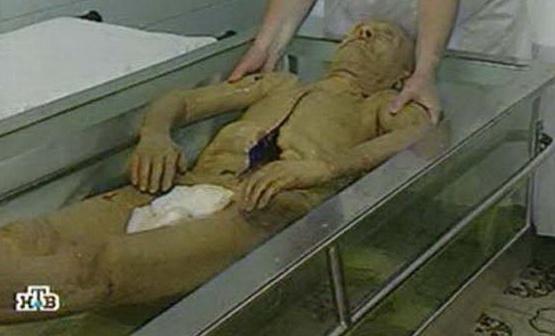 Мавзолей закриють, щоб помити тіло Леніна та переодягнути його в новий костюм