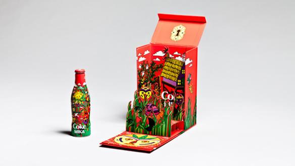 Незвичайні пляшки та банки Coca-Cola