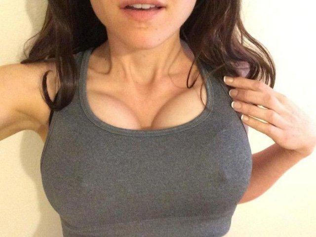 Як збільшити груди за допомогю трьох бюстгальтерів