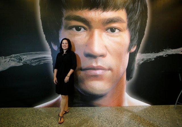 Донька Брюса Лі зніме фільм про легендарного батька