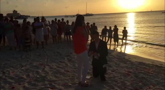 Неймовірна пропозиція руки і серця (фото, відео)