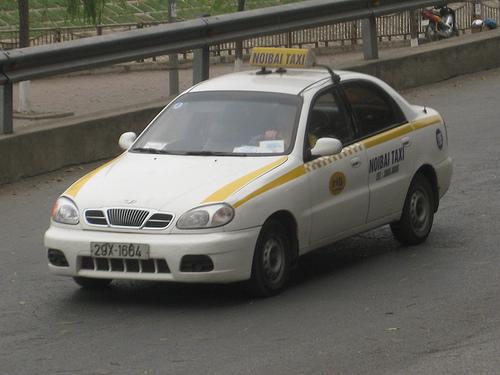 Чому таксисти їздять на Daewoo Lanos? 5 причин вибору авто