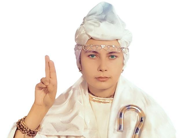 Біле братство через 20 років. Марія Деві Христос тепер бореться проти «київської хунти» і підтримує «Новоросію»