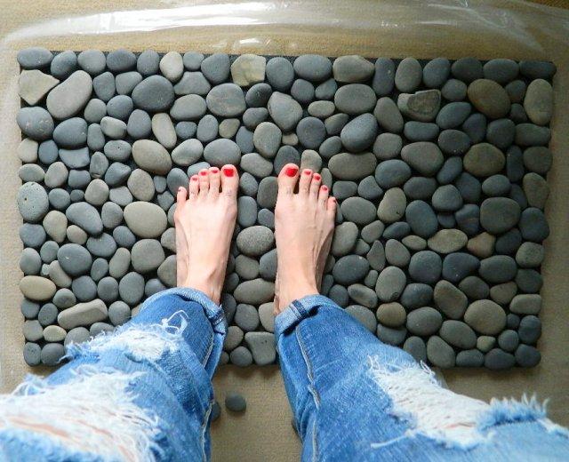 Килимок у ванну з морських камінців своїми руками