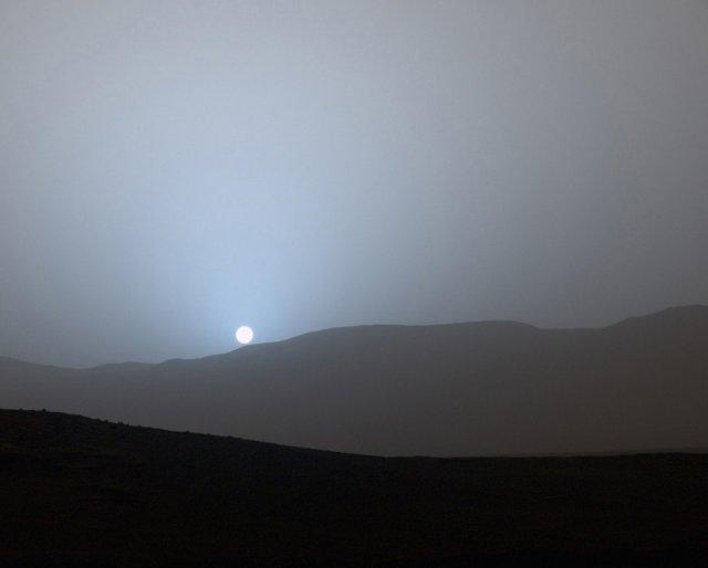 NASA опублікувало кольоровий знімок заходу сонця на Марсі