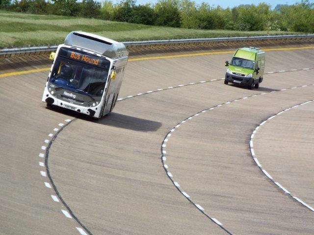 Британські автобуси б'ють рекорди на паливі з гною (відео)