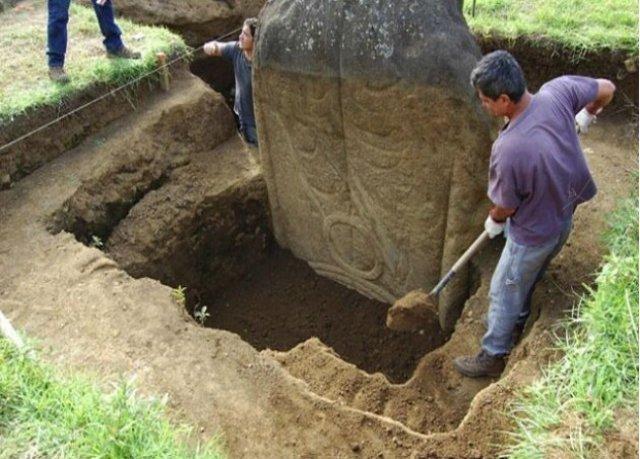 Що ховається під головами на острові Пасхи? (фото)