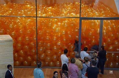 Повчальна історія про повітряні кульки та пошуки щастя