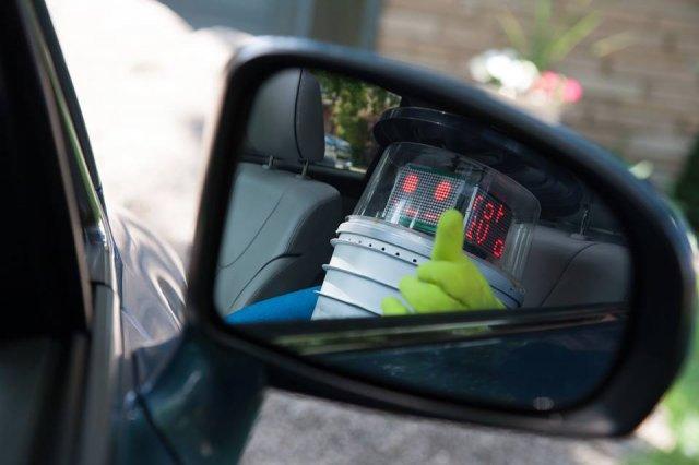 Американські вандали зламали канадського робота-автостопщика