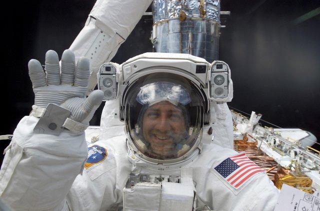 На борт МКС доставлено елітний алкоголь, однак скуштувати його космонавтам не доведеться