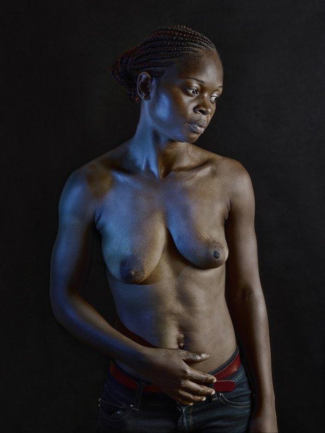 Прасування грудей - шокуюча традиція Камеруну (фото)