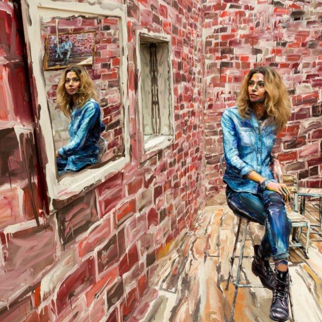 Американська художниця перетворює живих людей на малюнки (фото)