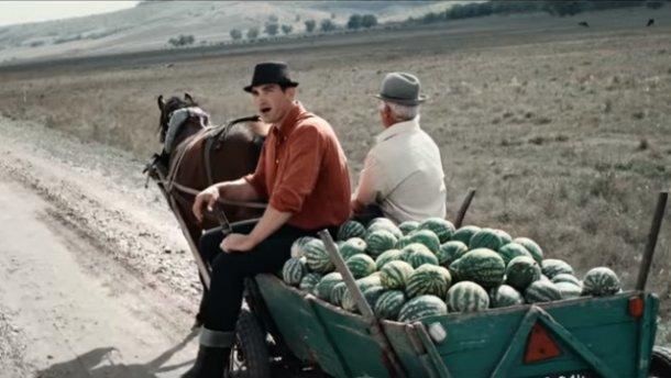 Пісня «The Show Must Go On» гурту Queen зазвучала у виконанні молдовських фермерів (відео)