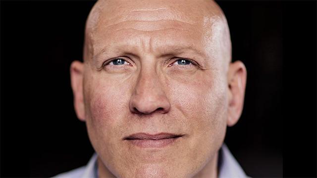 Одна людина - різні портрети (фото)