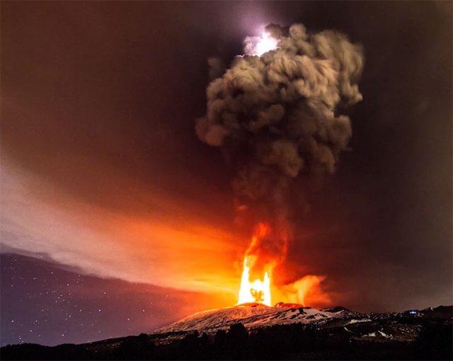Нове виверження вулкана Етна (відео)
