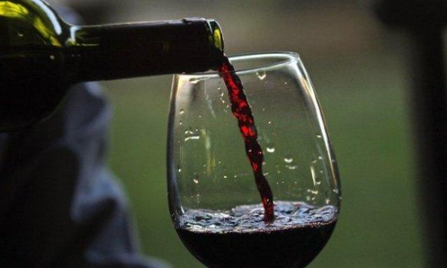 Вчені з'ясували, що келих червоного вина прирівнюється до 1 години занять спортом