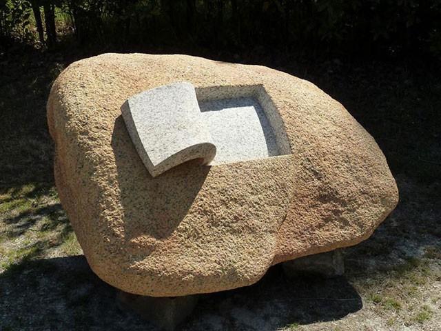 Скульптор з Іспанії навчився «м'яти» каміння (фото)