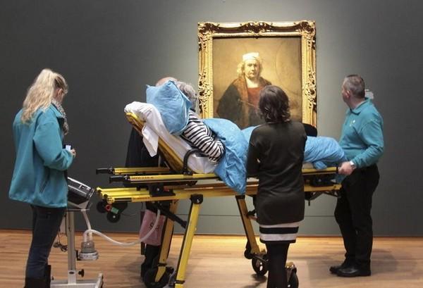 Благочинна організація виконує останні бажання помираючих (фото)