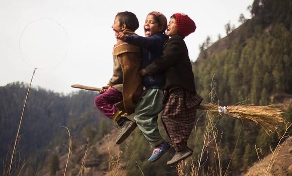 Фотограф втілив мрії дітей в реальність, влаштувавши їм неймовірну фотосесію в стилі Гаррі Поттера (фото)