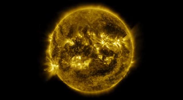 Рік з життя Сонця в одному відео