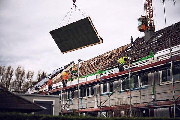 Голландці за 10 днів переробляють будинки в енергонезалежні (відео)