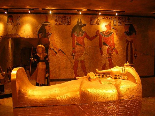 «Відкриття століття». У гробниці Тутанхамона знайшли приховані кімнати