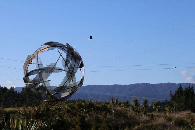 Скульптури з металу, що кидають виклик реальності та гравітації (фото)
