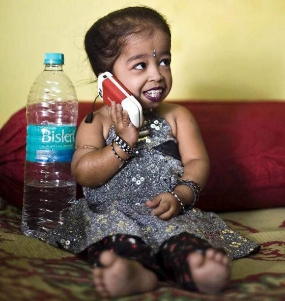 Найменша в світі жінка (фото)