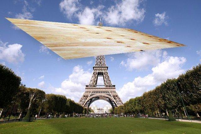 «Пролітати як фанера над Парижем». Походження вислову