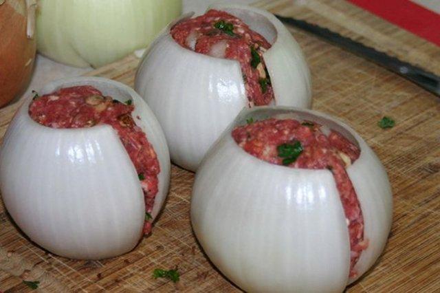 Цибульно-м'ясні м'ячики: страва, яка неодмінно сподобається гостям