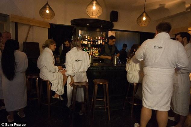 В Лондоні відкрився ресторан для оголених людей (фото)