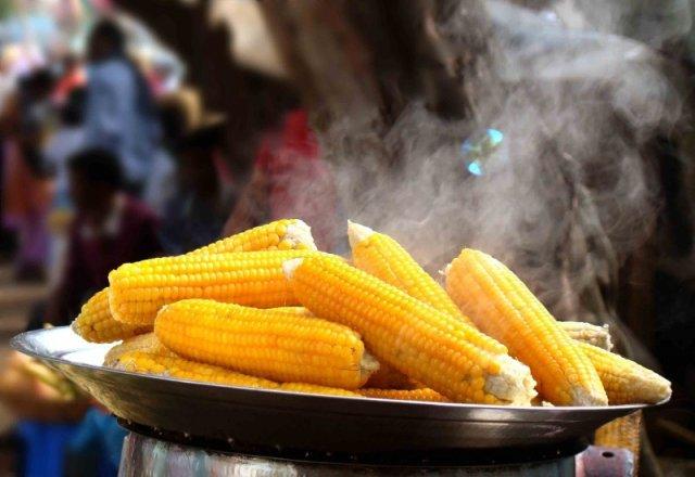 Як зварити кукурудзу щоб вийшов неймовірний смак?