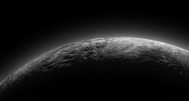 На Плутоні є цілий океан води в рідкому стані