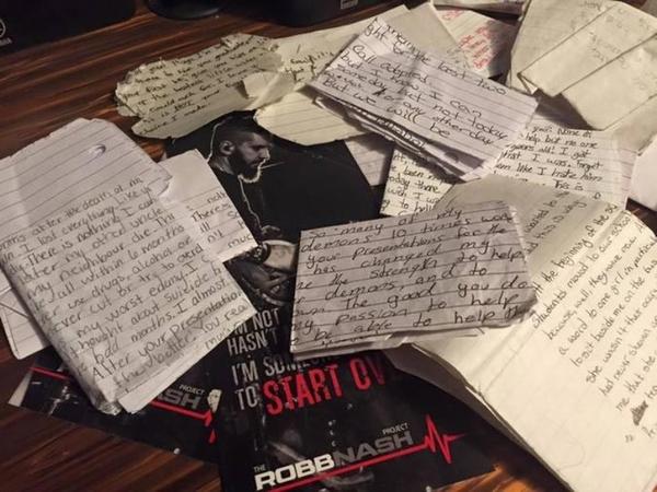 Музикант зробив тату з іменами 120 підлітків, які намагалися покінчити з життям