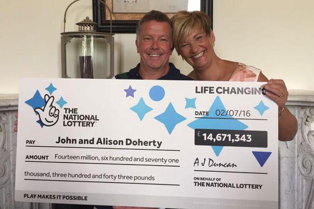 Сантехнік, який виграв в Національну лотерею 14 млн. фунтів, через 2 дні вийшов на роботу