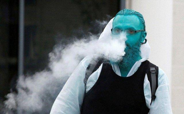 «Море синіх людей» - флешмоб розфарбованих голих людей (фото)