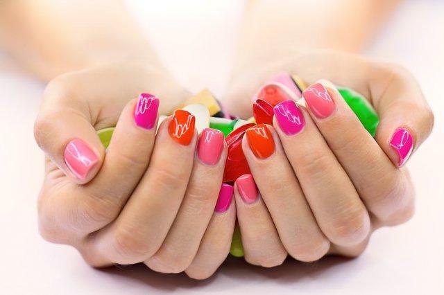 Фарбування нігтів балончиком - новий модний тренд