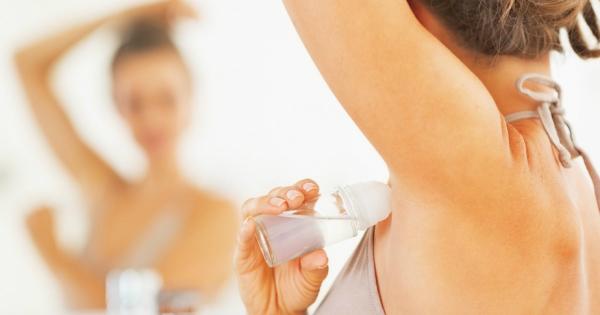Для чого згодиться дезодорант? 7 незвичних способів використання