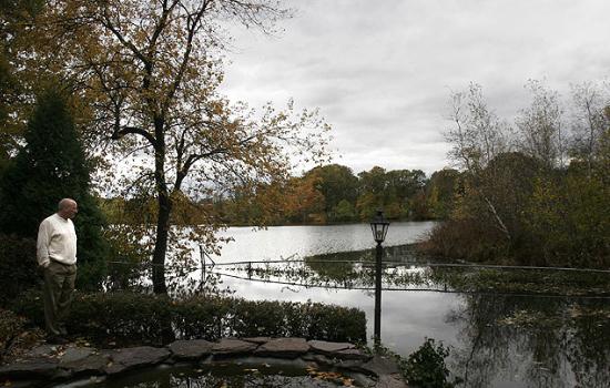 Плаваючий острів в озері Island Pond