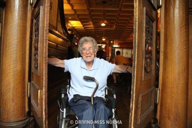 90-річна жінка наплювала на смертельний діагноз заради здійснення мрії
