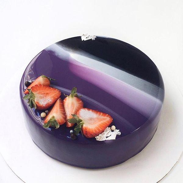 Глазуровані дзеркальні торти (фото)