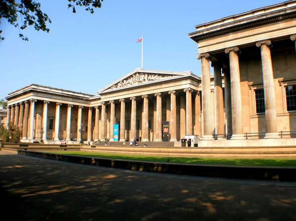 9 музеїв світу, які можна відвідати, не виходячи з дому