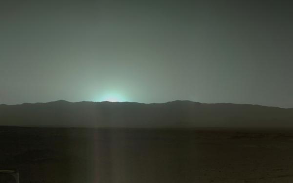 На Марсі захід Сонця — голубого кольору