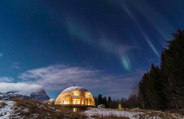 В Арктиці під геокуполом 3 роки живе норвезька сім'я (фото)