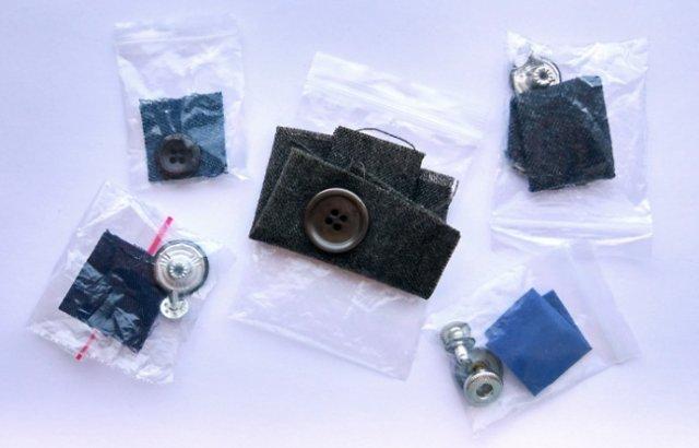 Для чого потрібен клаптик тканини, який додається до нового одягу?