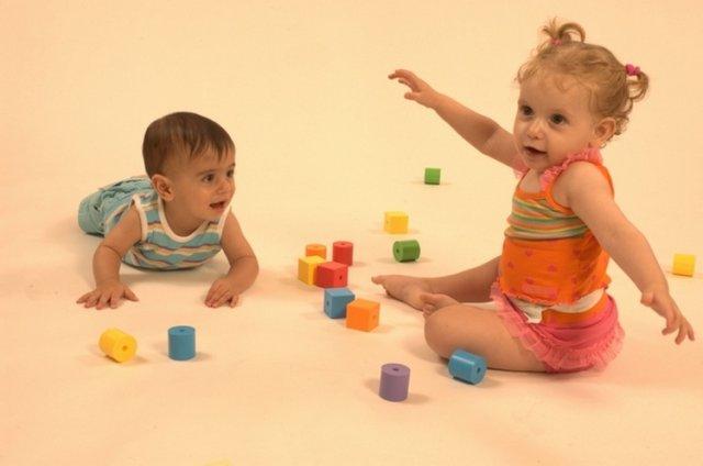 Для чого вчити дітей мови жестів?