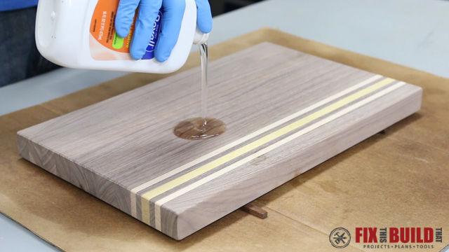Дошка для кухні з обрізків деревини (фото)