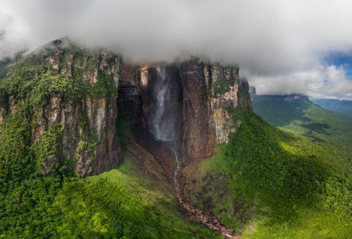 Найвищий водоспад світу: 8K-відео з дрона