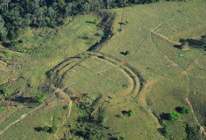 Гігантські геогліфи знайдені в джунглях Амазонії